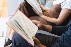 reading-2557256_1280